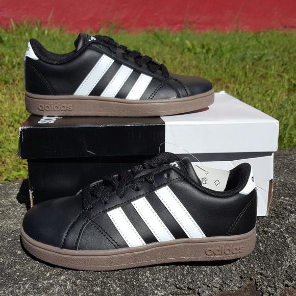 newest 4a7d4 c404e Boys Baseline Adidas